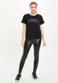 DeFacto - T-shirt print - black - 1
