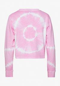 Urban Classics - LADIES TIE DYE CROPPED CREWNECK - Sweatshirt - girly pink - 1