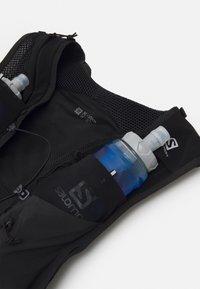 Salomon - SENSE PRO 10 SET UNISEX - Sac avec poche d'eau - black - 2