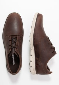 Timberland - BRADSTREET - Casual lace-ups - dark brown - 1