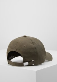 Calvin Klein - PATCH - Cap - green - 2