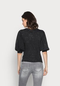 ONLY Tall - ONLLUCILLA LIFE  - T-shirt med print - black - 2