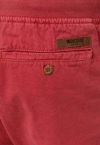 INDICODE JEANS - CARVER - Denim shorts - vermillion - 3