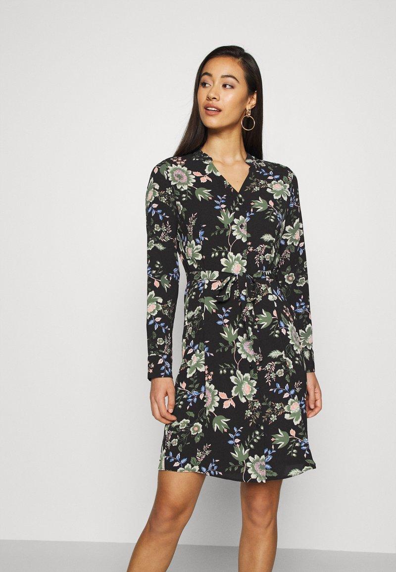 Vero Moda - VMSAGA - Košilové šaty - black/cassandra