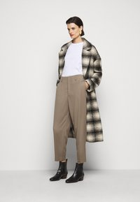 Filippa K - KARLIE TROUSER - Trousers - grey taupe - 1