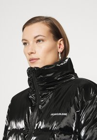 Calvin Klein Jeans - HIGH SHINE PUFFER - Winter jacket - ck black - 3