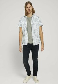 TOM TAILOR DENIM - T-shirt basique - greyish shadow olive - 1