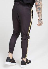 SIKSILK - FITTED SMART TAPE JOGGER PANT - Pantaloni - black - 2