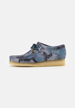 WALLABEE - Casual lace-ups - blue