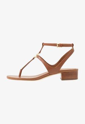 LITA THONG - Sandály s odděleným palcem - luggage