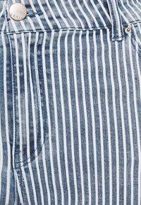 Simply Be - STRIPE CROP SLIM  - Jeans slim fit - blue - 2