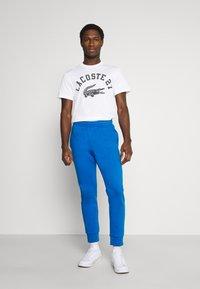 Lacoste - Print T-shirt - blanc - 1