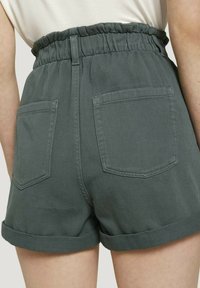 TOM TAILOR DENIM - CONSTRUCTED PAPERBAG - Denim shorts - dusty pine green - 5