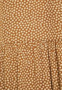 Glamorous Tall - TIERED DRESS - Maxi dress - rust cream - 2