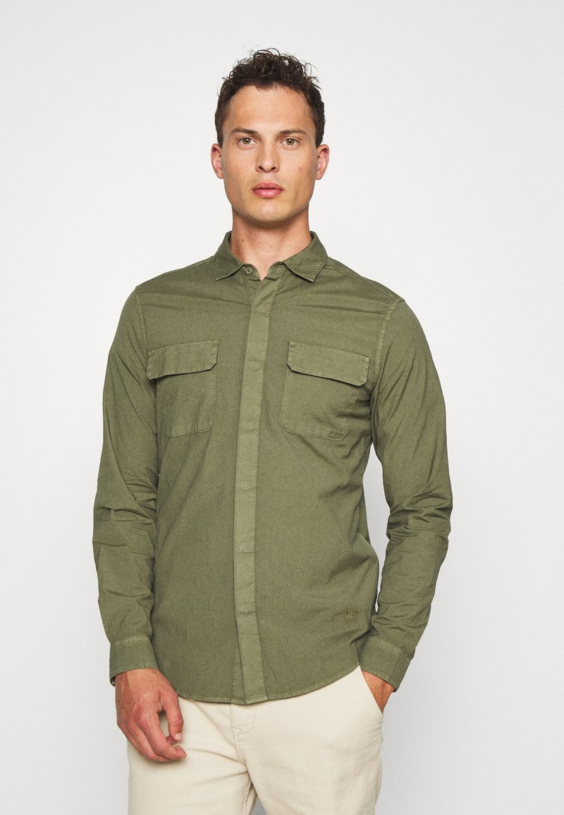 DOCKERS - SUSTAINABLE UTILITY - Shirt - green