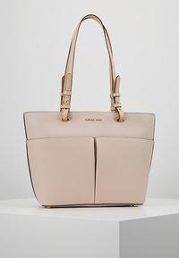 MICHAEL Michael Kors - BEDFORD POCKET TOTE - Handbag - soft pink - 0