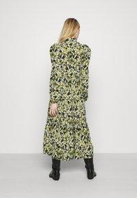 Never Fully Dressed - LEAF PANEL DRESS - Robe chemise - green - 2