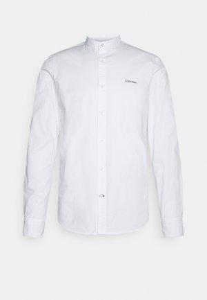 STAND UP COLLAR - Shirt - bright white