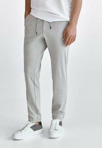 Massimo Dutti - Tracksuit bottoms - light grey - 0