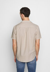 Pier One - Shirt - sand - 2