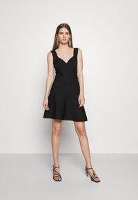 Hervé Léger - ICON FLARE SKIRT DRESS - Robe de soirée - black - 0
