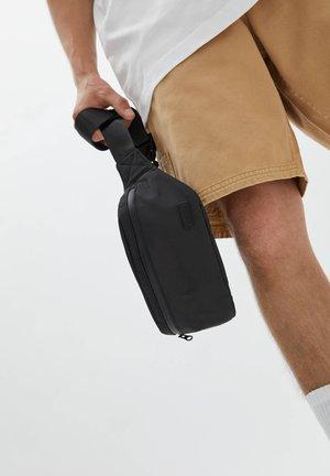 Bum bag - mottled black