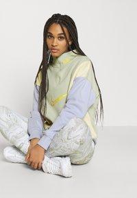 Nike Sportswear - Sweatshirt - olive aura - 3