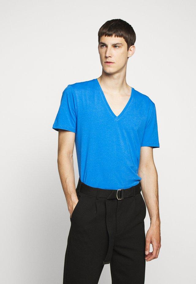 QUENTIN - T-shirt basique - blau