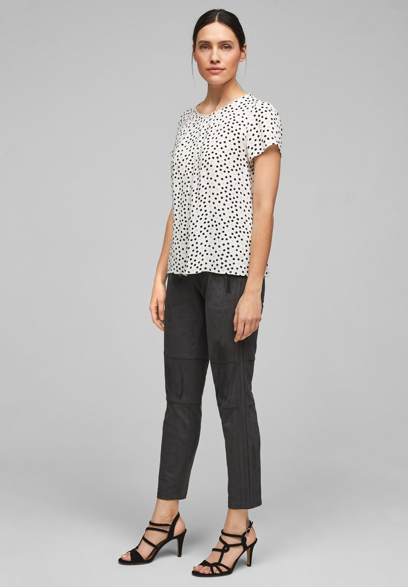 s.Oliver BLACK LABEL - Blouse - soft white floral print