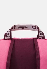adidas Originals - ADICOLOR BACKPACK UNISEX - Reppu - rose tone/victory crimson/white - 4
