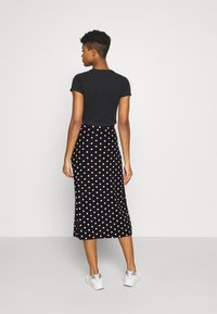 Even&Odd - Midi high slit high waisted skirt - Falda de tubo - black/white - 2