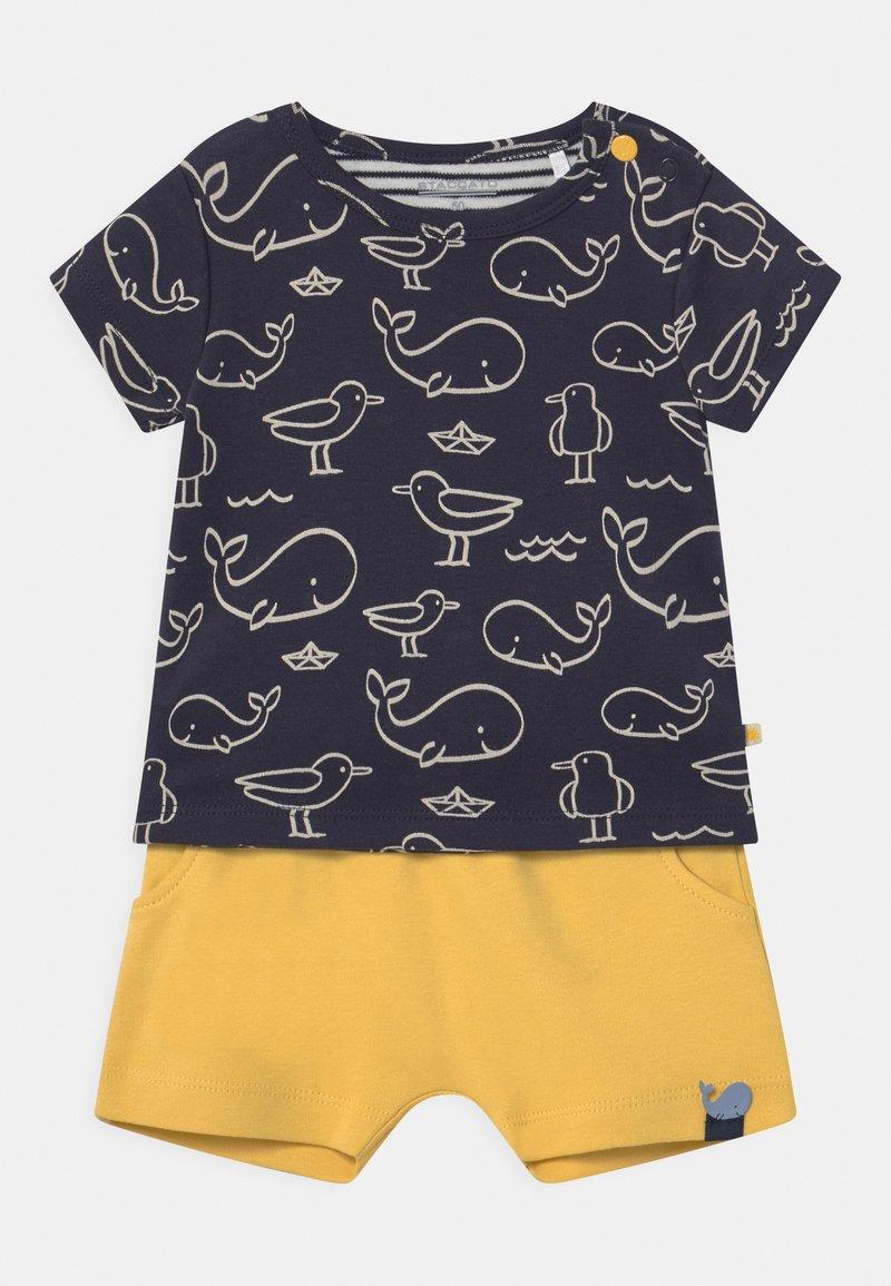 Staccato - SET - Print T-shirt - dark blue/yellow