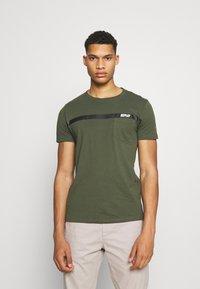 Replay - Print T-shirt - dark military - 0