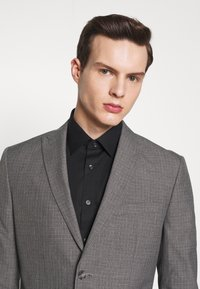 Isaac Dewhirst - RECYCLED MID TEXTURE - Oblek - grey - 7