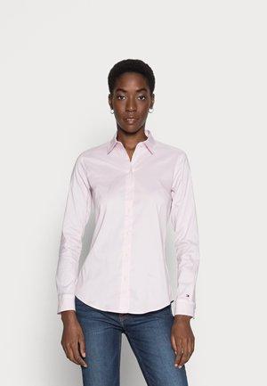 HERITAGE SLIM FIT - Camicia - pink