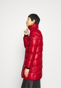 Calvin Klein - ESSENTIAL REAL COAT - Down coat - tango red - 7