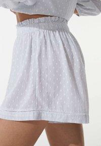 OYSHO - PLUMETI - Pyjama bottoms - blue - 3