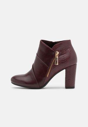 ALTON - Boots à talons - burgundy/gold