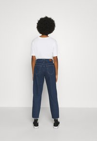 ONLY - ONLTROY LIFE CARROT - Jeans baggy - dark blue denim - 2