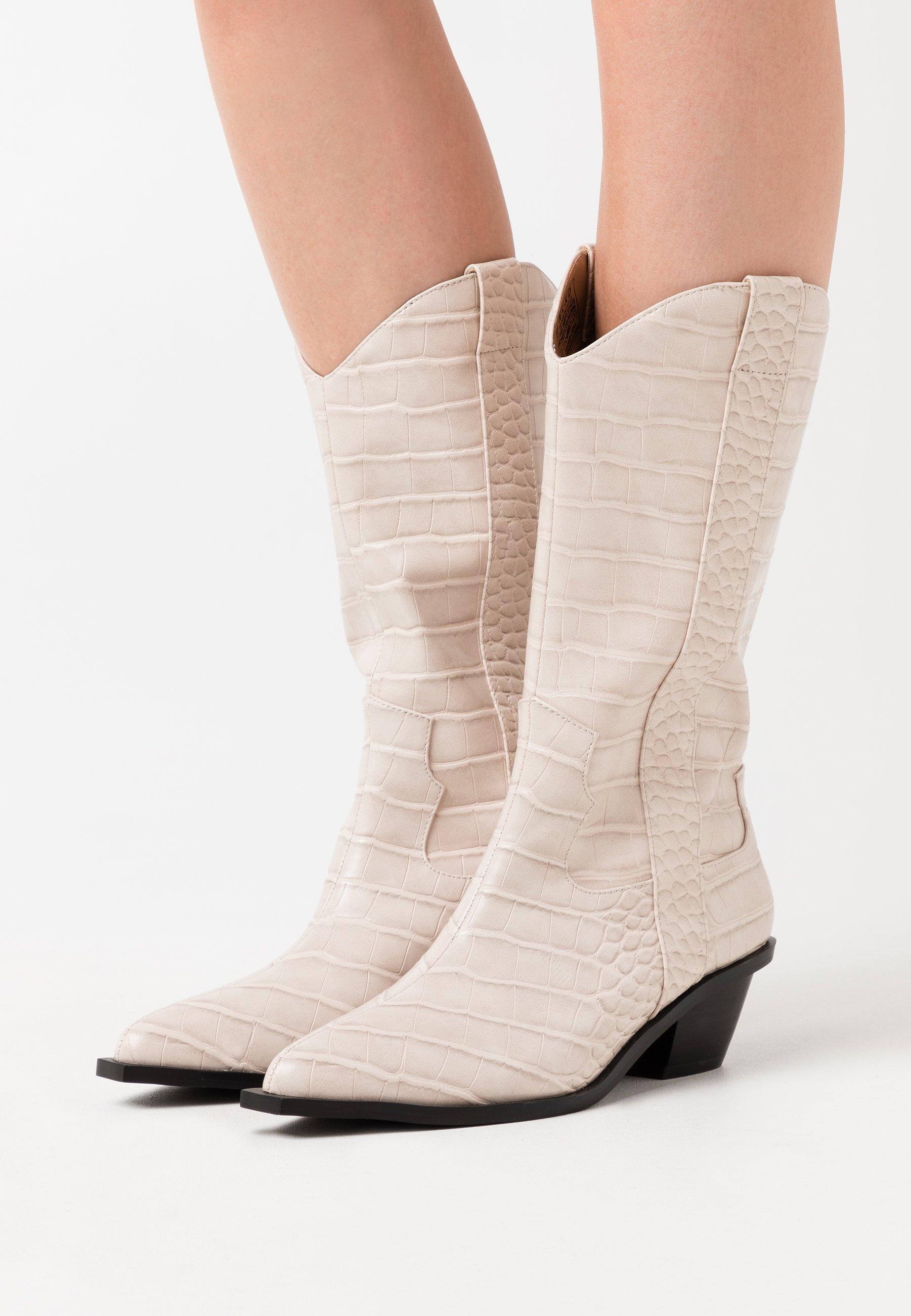 Scarpe da donna NA-KD STRAIGHT  Stivali texani / biker white