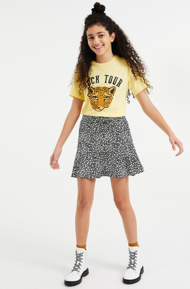 WE Fashion - Print T-shirt - light yellow
