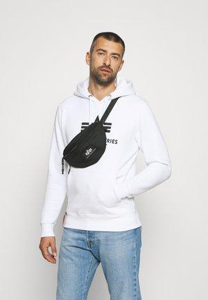 SWEATSHIRT AND WAIST BAG GIFT BOX SET - Hoodie - white/black