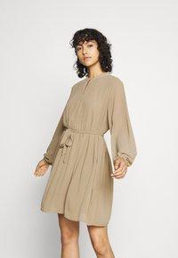 JDY - JDYDORA DRESS - Vestito estivo - dune - 0