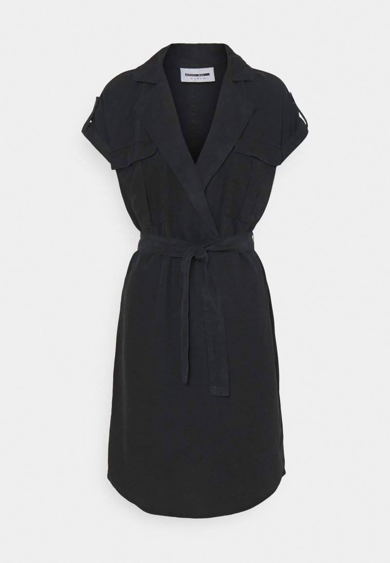 Noisy May - NMVERA ENDI SHIRT DRESS - Vapaa-ajan mekko - black