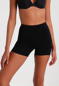 MAGIC Bodyfashion - MAGIC COMFORT - Stahovací prádlo - black - 0