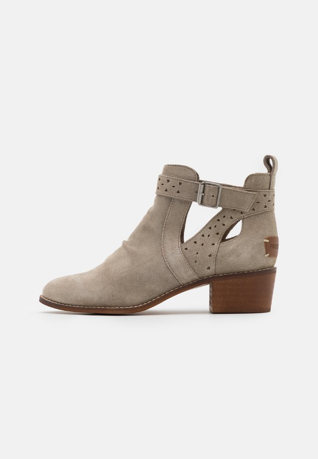 DANEL - Ankle boot - ice