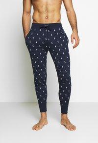 Polo Ralph Lauren - PRINTED LIQUID  - Pyjama bottoms - cruise navy - 0