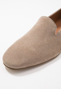 Zign - LEATHER  - Mocasines - taupe - 5