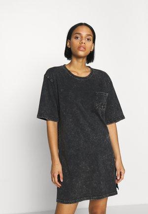 KENDALL - Žerzejové šaty - black