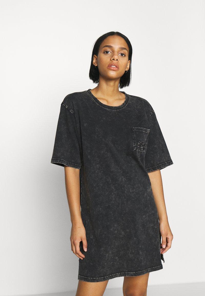 Von Dutch - KENDALL - Jersey dress - black